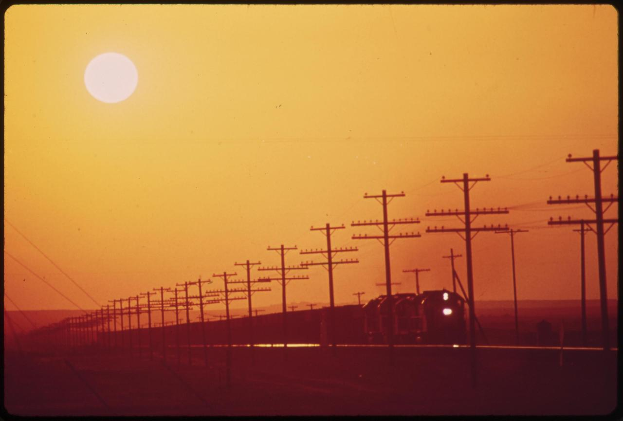 nos-twnsnd-high-quality-hd-banner-backgound-images-stock-photos-train-sunset-vintage-old-download