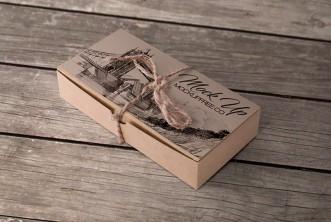 Free PSD Beige Cardboard Box Mockup